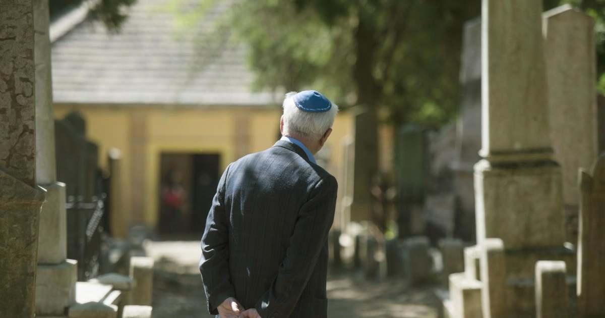 A zsidó temetőt is felújítanák Szászváron | BAMA