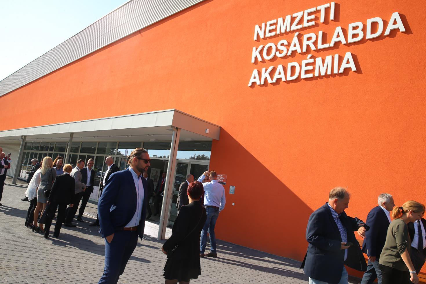 Felavatták a Nemzeti Kosárlabda Akadémiát