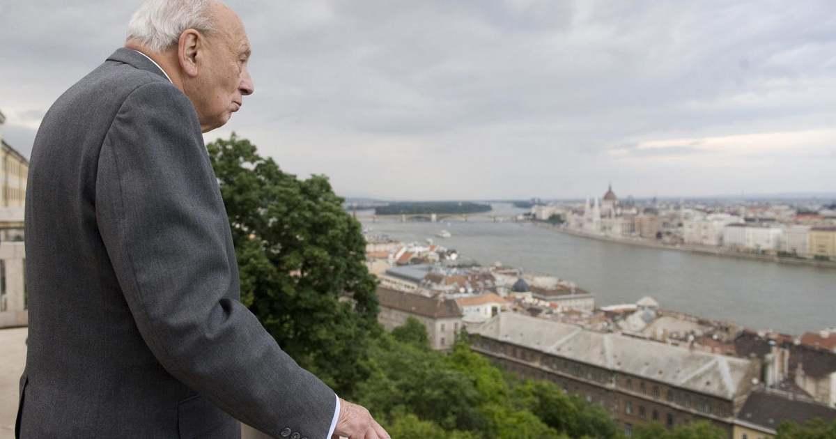 John Lukacs 95 éves | SZOLJON