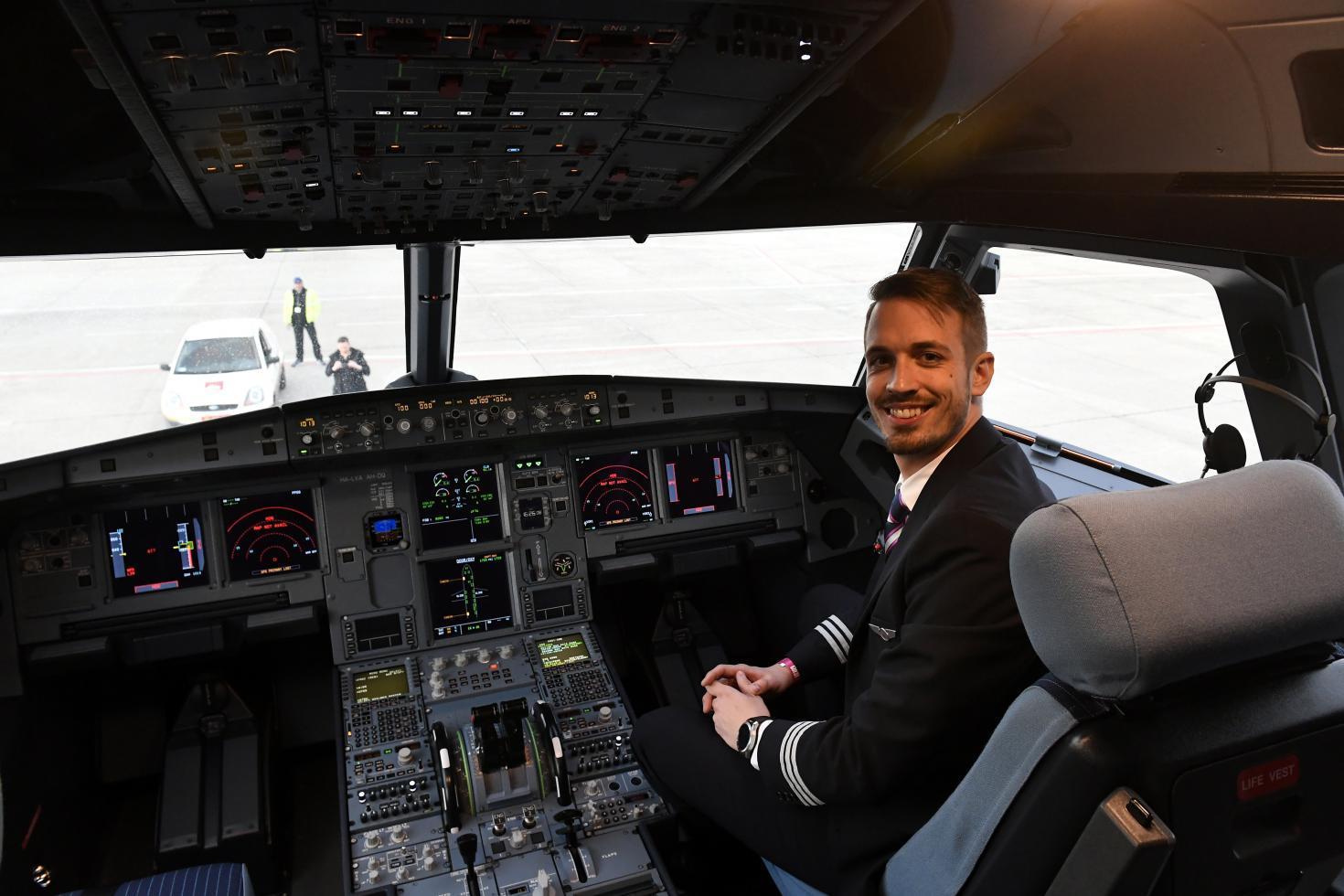 pilóta társkereső pilóta Ingyenes társkereső oldal New Yorkban