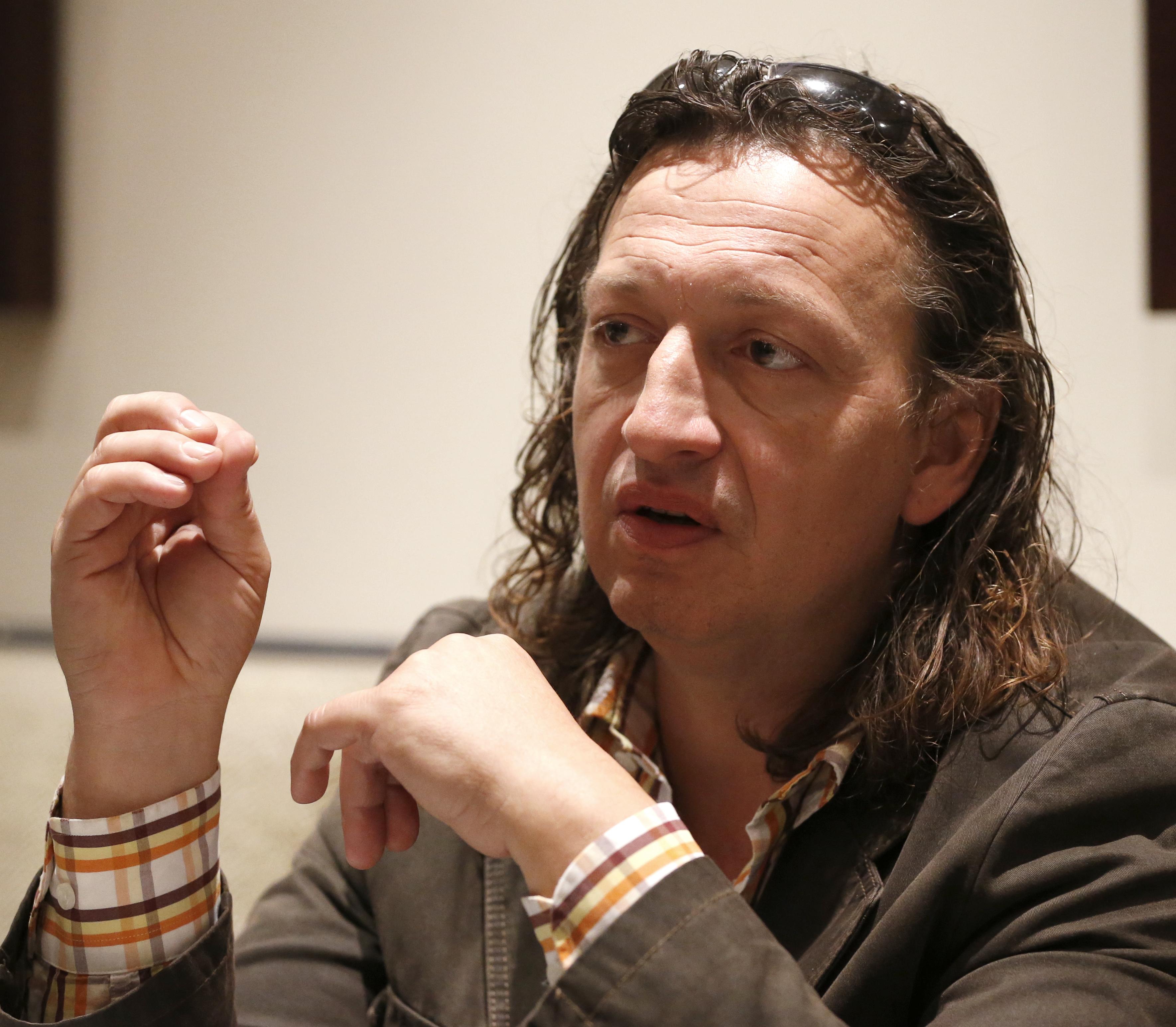 Torokrákos az amerikai Megadeth metálzenekar énekes-gitárosa, Dave.