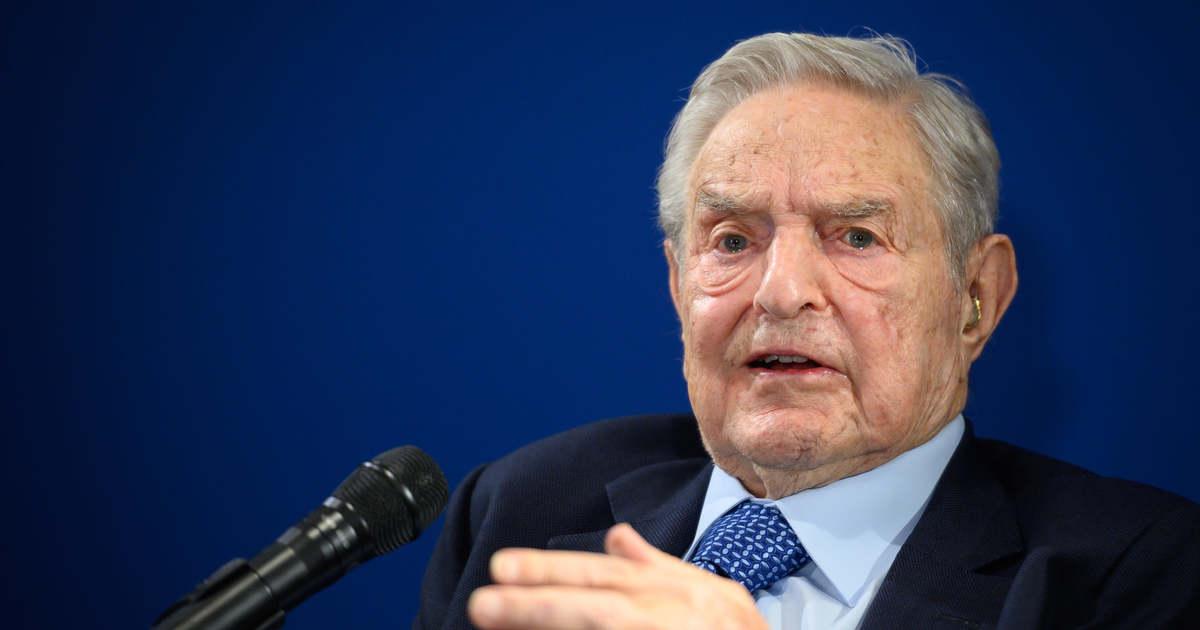 Közép-Európában is Sorosék döntik el, mi álhír a Facebookon