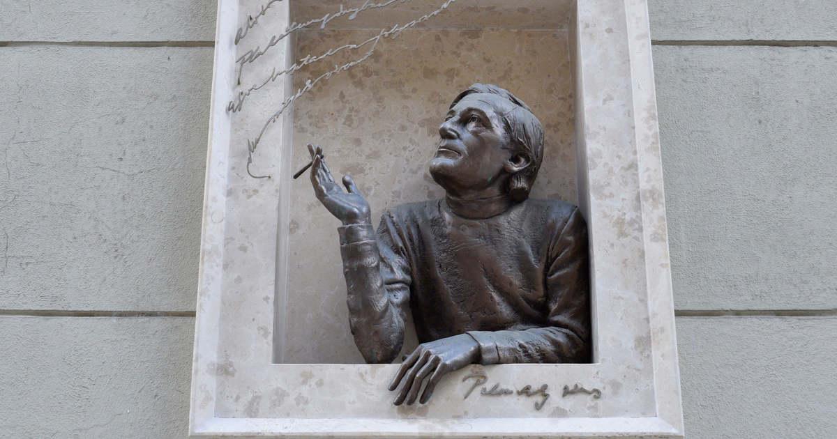 Negyven éve hunyt el a magyar irodalom megkerülhetetlen alakja   FEOL