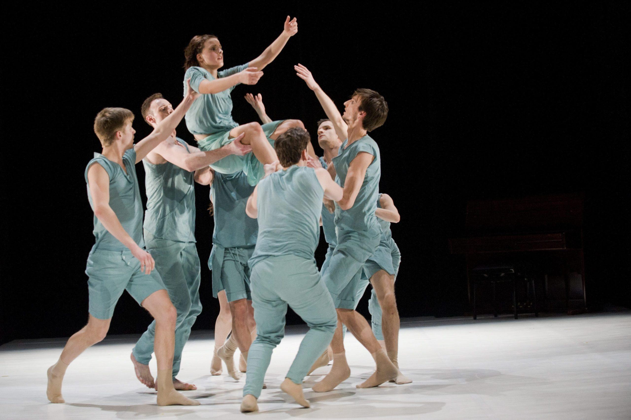 Könyv jelent meg a Pécsi Balett megalakulásának 60. évfordulójára