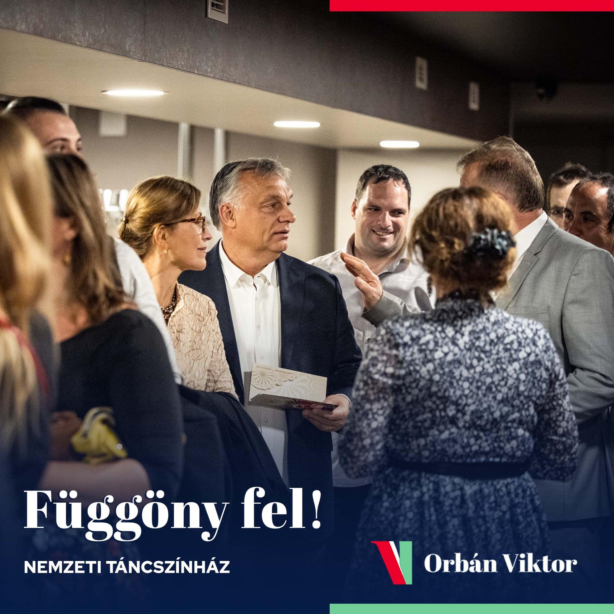Orbán Viktor: függöny fel!