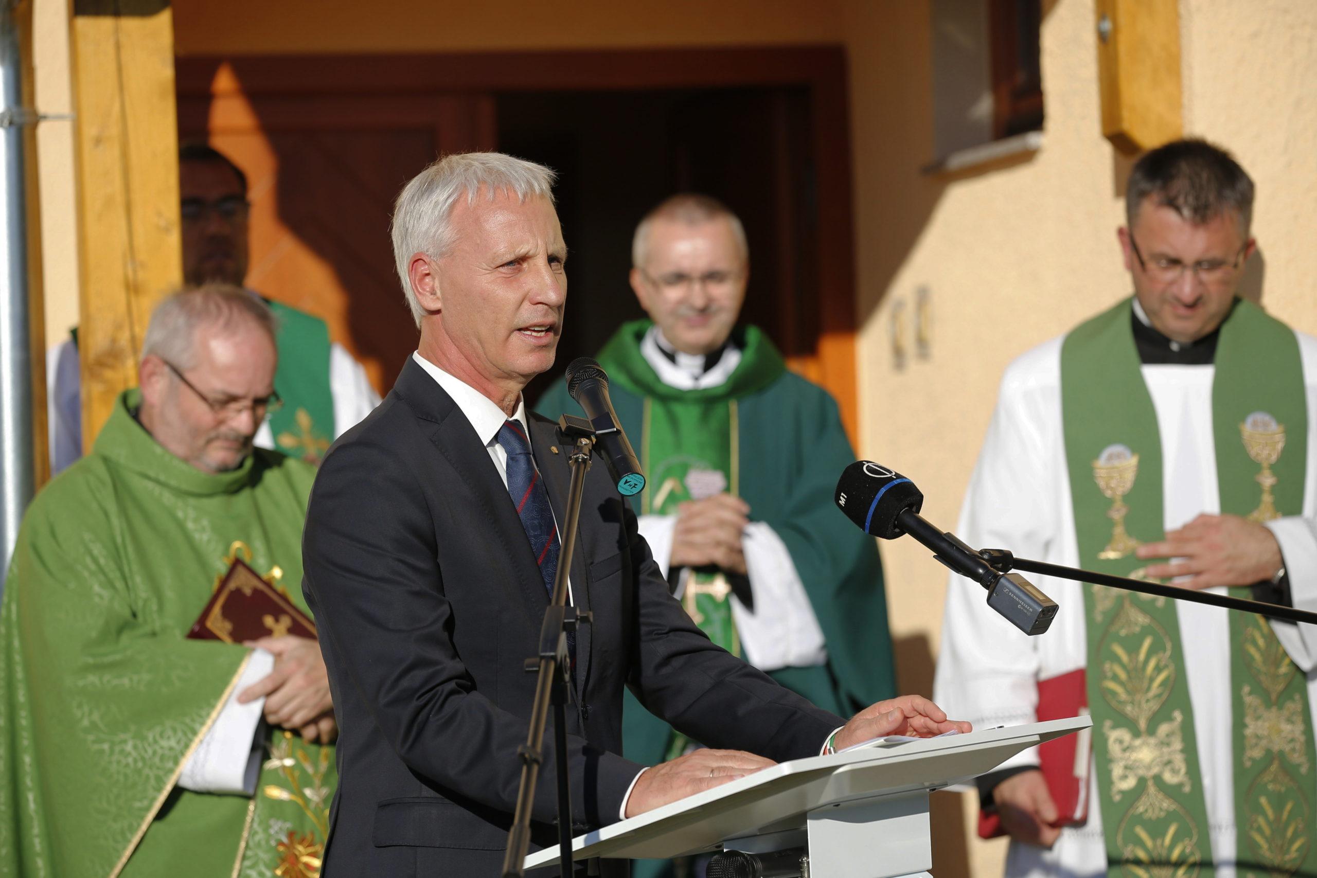 Soltész Miklós: a szlovén nemzetiségi közösség számára megtartó erő a hitélet